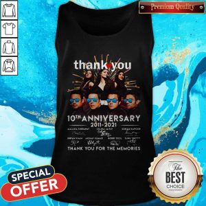 Nice Thank You 10th Anniversary 2011 2021 Thank You For The Memories Signatures Tank Top
