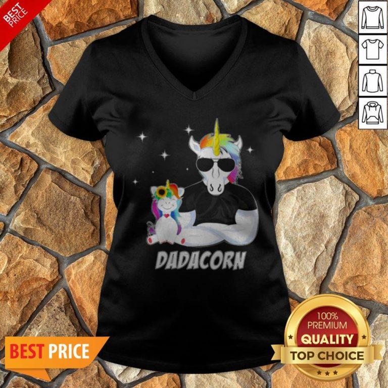 Nice LGBT Unicorn Dad Dadacorn V-neck