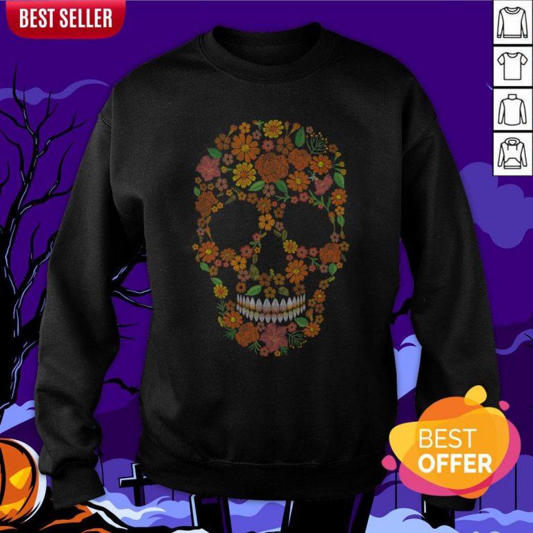Sugar Skulls Monochrome Flower Dia De Muertos Day Of The Dead Sweatshirt