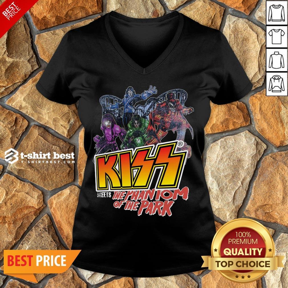 Nice Kiss Meets The Phantom Of The Park V-neck- Design By T-shirtbest.com