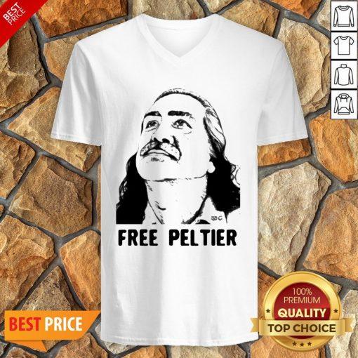 Nice Official Free Leonard Peltier V-neck