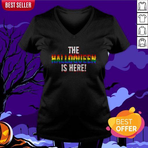 The Halloqueen Is Here Halloween LGBT Rainbow V-neck