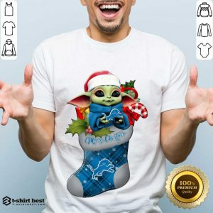 Nice Baby Yoda Hug Detroit Lions Ornament Merry Christmas 2020 Shirt - Design By 1tees.com