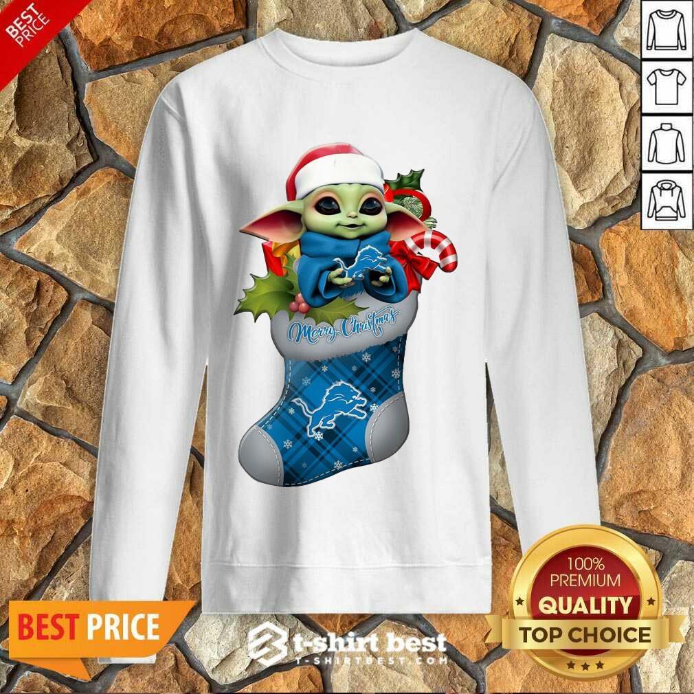 Baby Yoda Hug Detroit Lions Ornament Merry Christmas 2020 Sweatshirt - Design By 1tees.com