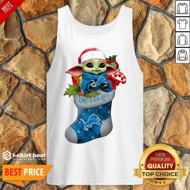 Baby Yoda Hug Detroit Lions Ornament Merry Christmas 2020 Tank Top - Design By 1tees.com