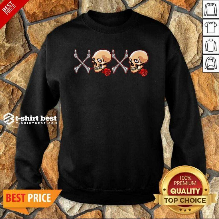 Xoxo Skull Sweatshirt - Design By 1tees.com