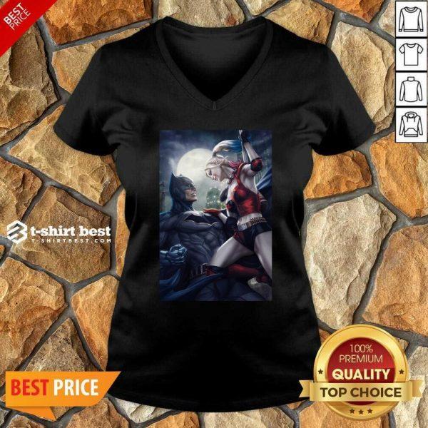Batman And Harley Quinn 2020 V-neck - Design By 1tees.com