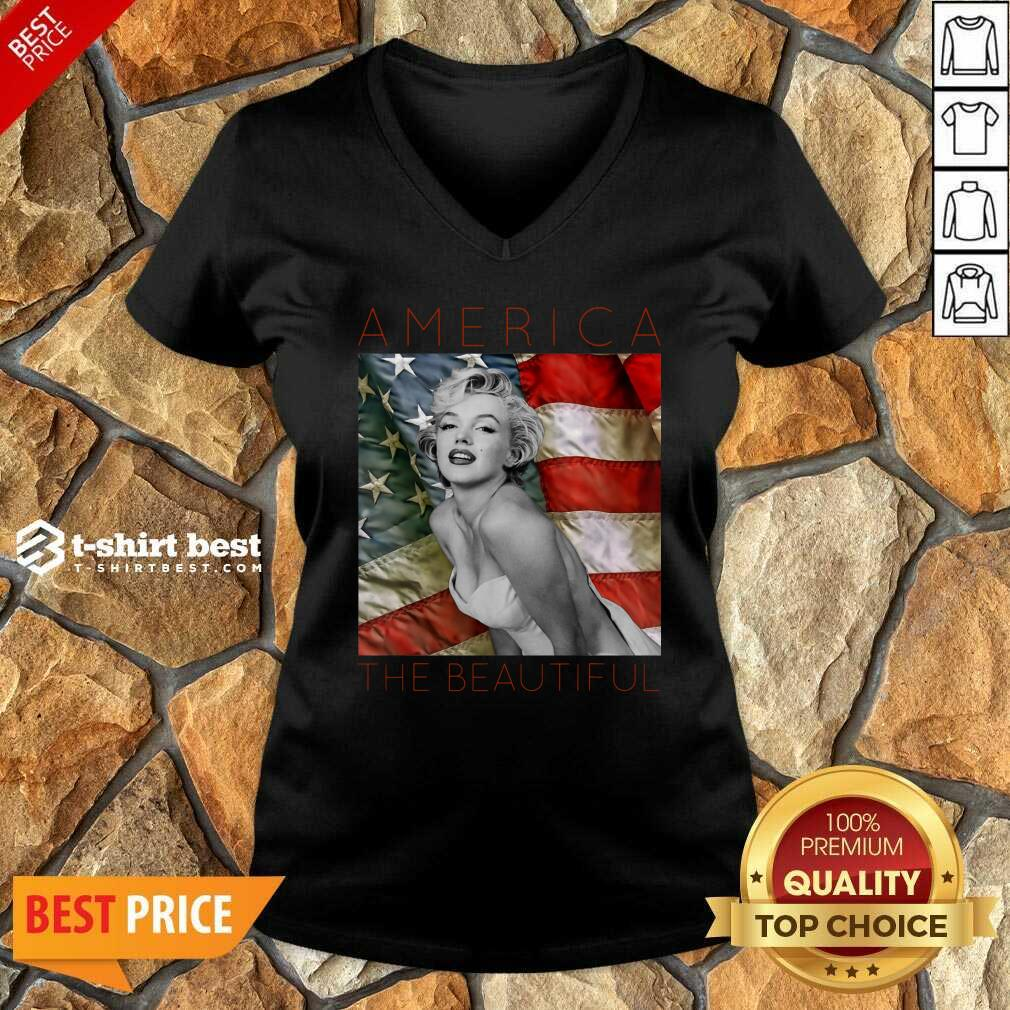 Marilyn Monroe America The Beautiful V-neck - Design By 1tees.com